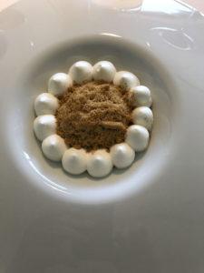 Granita di liquirizia con aceto bianco, cioccolato bianco con aceto balsamico